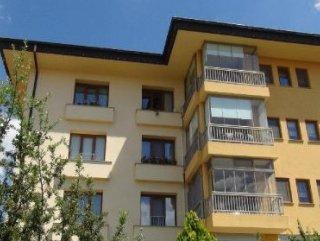 Çorum'da Cam silen kadın 4'üncü kattan düşüp öldü