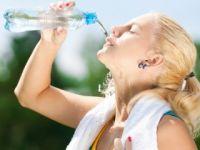 """Araştırmacılar """"Çok su içmek hasta ediyor"""""""