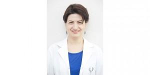 """Dermatoloji Uzmanı Uzm. Dr. Emir: """"Aşırı terleme iş ve okul hayatını etkiliyor"""""""