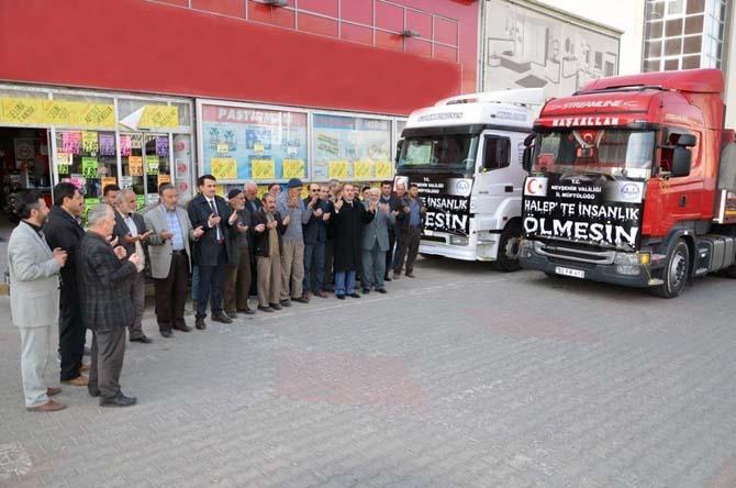 Halep'e iki tır yardım malzemesi daha gönderildi