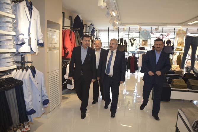 Başkan Baran Körfez'e yatırım yapanları yalnız bırakmıyor
