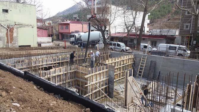 Ünlü kaplıca köyünde vatandaşlar için kaplıca havuzu yapılıyor