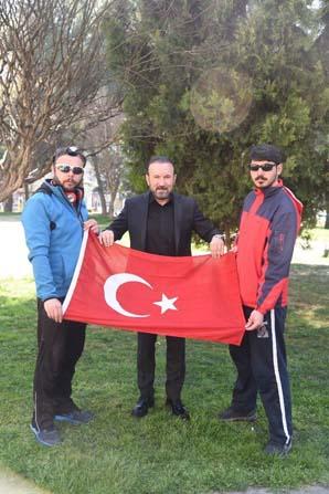 """Başkan Doğan, """"Kardeşlik için Evet"""" sloganıyla yürüyen grupla buluştu"""