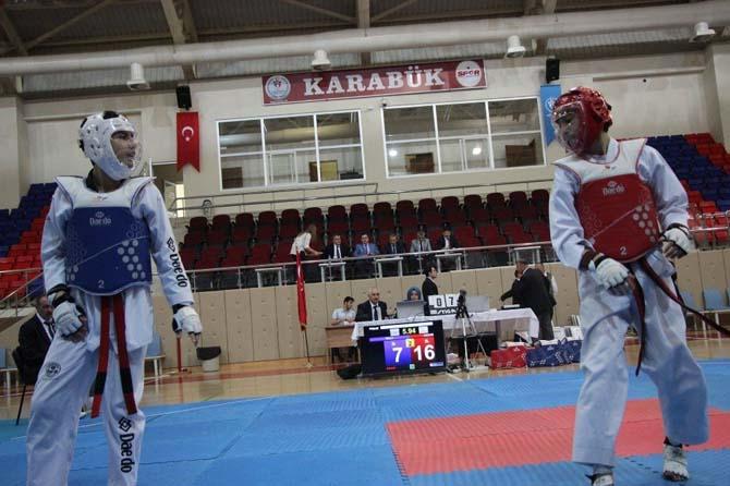 Okul sporları taekwondo müsbakaları