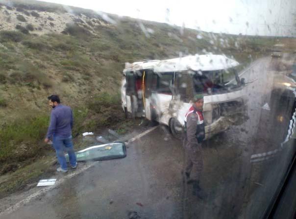 Kütahya'da trafik kazası: 3 yaralı