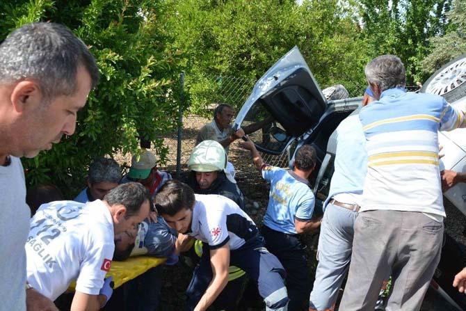 Ortaca'da takla atan otomobilin sürücüsü yaralandı