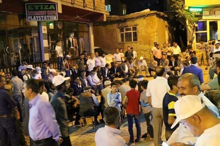 Pervari'de binlerce kişi milli irade için sokaklara döküldü