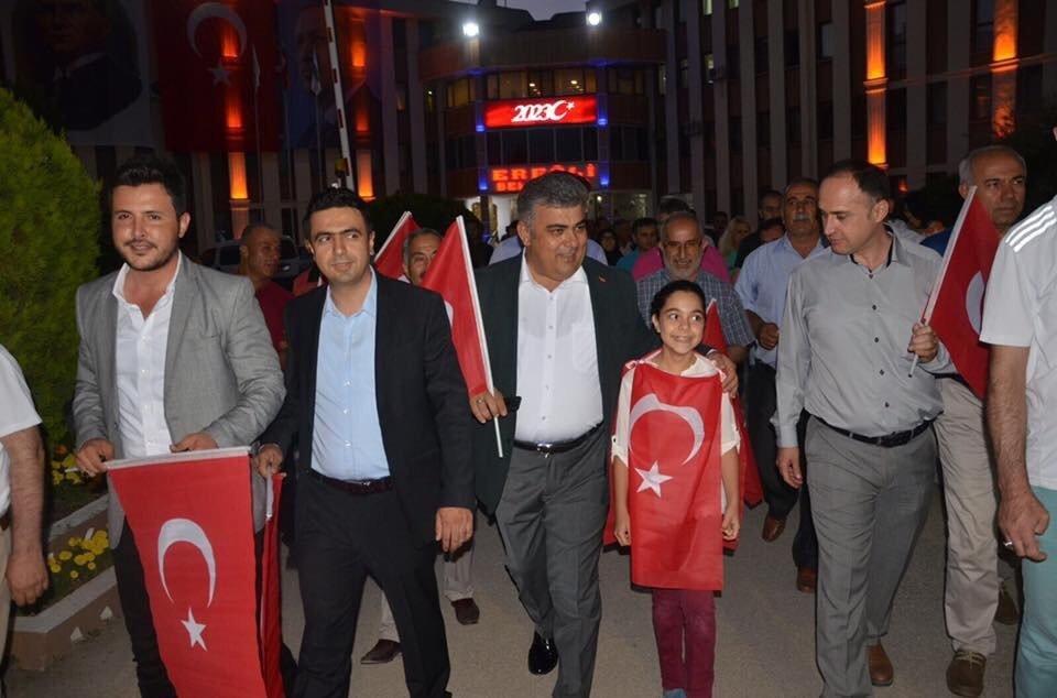 Ereğli'de binler 15 Temmuz nöbetinde