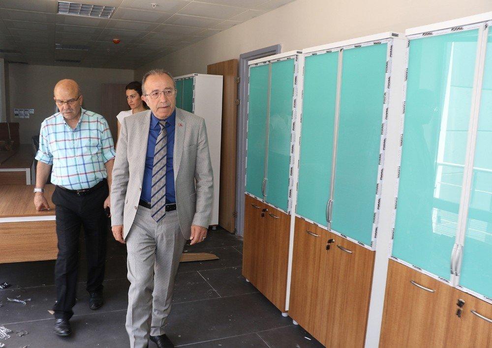 Fethi Sekin Gençlik Merkezi açılışa gün sayıyor