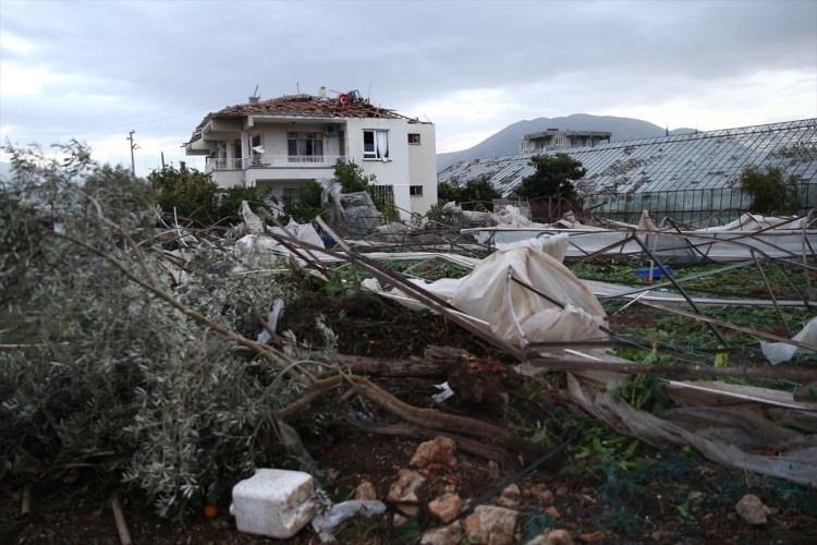 antalyada fırtına felakete yol açtı