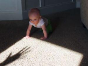 Minik Bebeğin Gölge ile İmtihanı